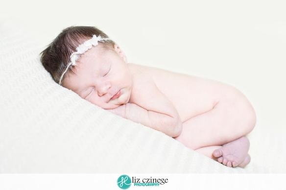 liz_czinege_photography_niagara_hamilton_newborn_child01