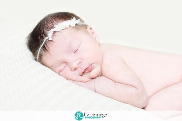 liz_czinege_photography_niagara_hamilton_newborn_child02