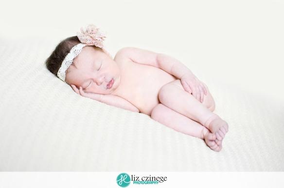 liz_czinege_photography_niagara_hamilton_newborn_child03
