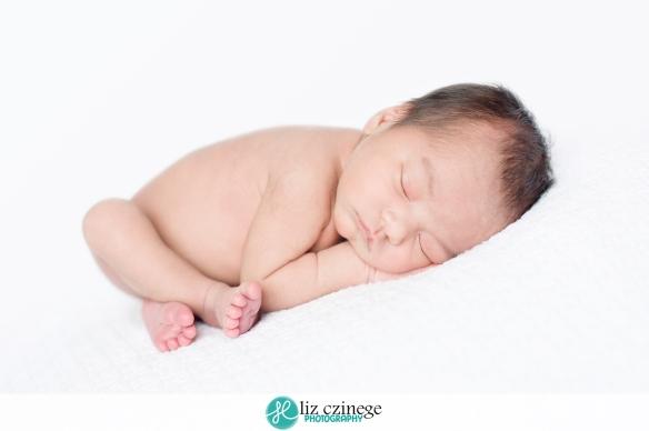 liz_czinege_niagara_hamilton_newborn_photographer06