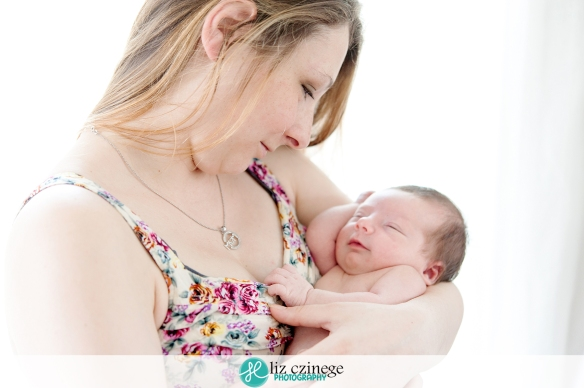 liz_czinege_newborn_photographer_hamilton_niagara_07