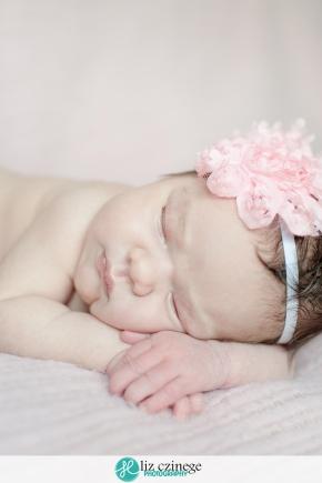 liz_czinege_newborn_photographer_hamilton_niagara_05