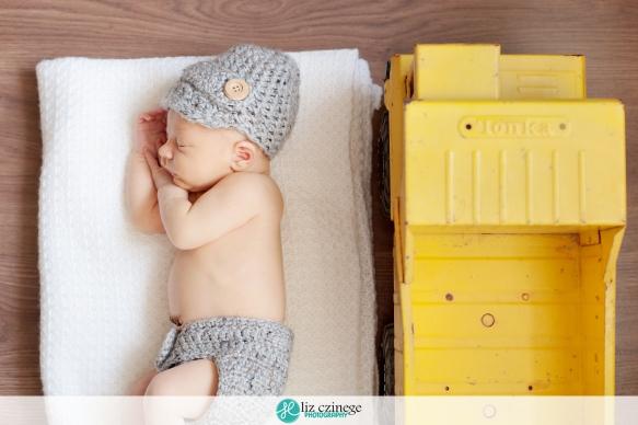 liz_czinege_newborn_photographer_niagara_hamilton10