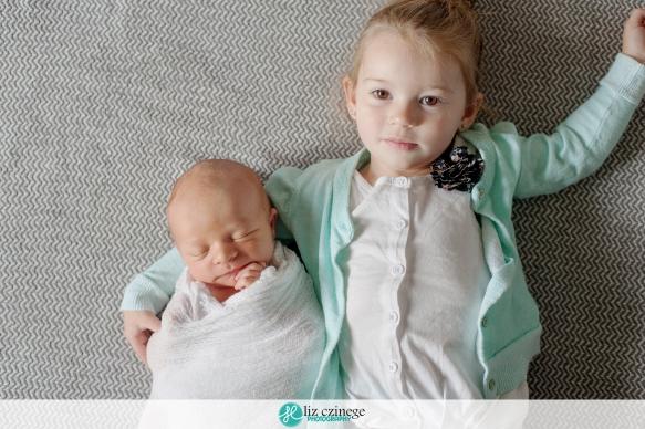 liz_czinege_newborn_photographer_niagara_hamilton11