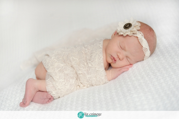 liz_czinege_hamilton_niagara_newborn_photographer01